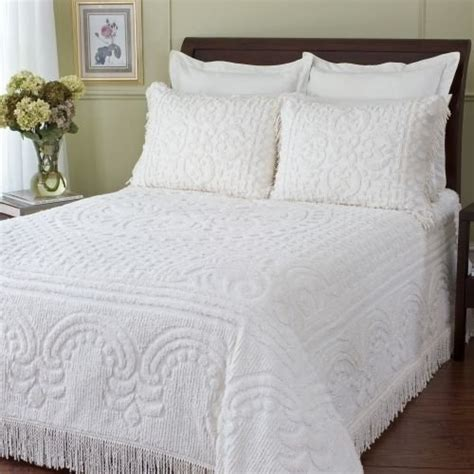 white bed spread 17 best images about chenille bed spreads on pinterest