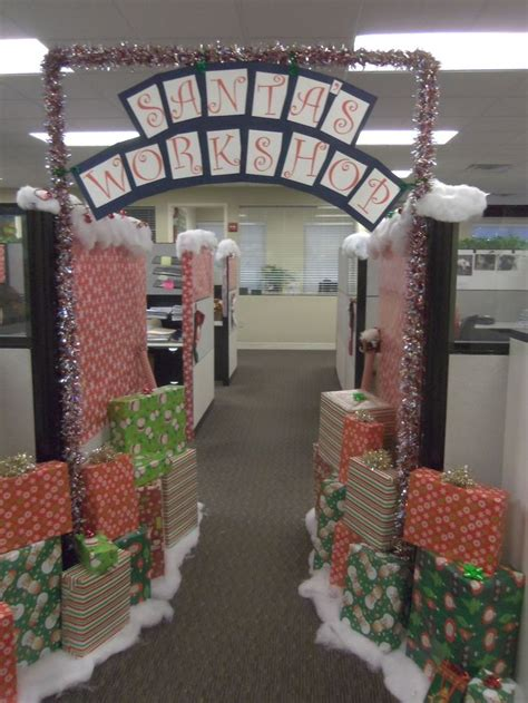 decorating office for christmas contest 1000 images about cubicle decorating on offices and pumpkins