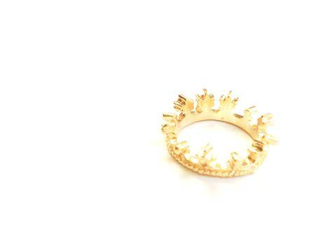 gold crown ring 183 white