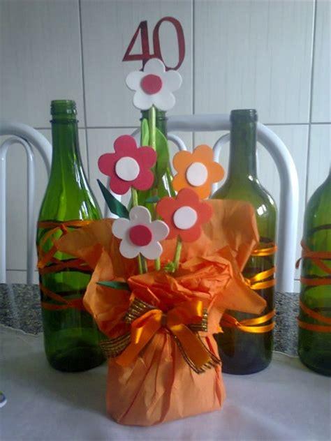 enfeitar mesas com garrafa de vidro