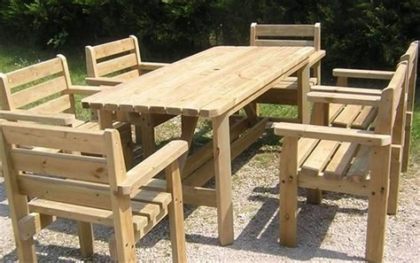 Wood Pallet Dining Table Upcycled Wooden Pallet Patio Dinning Tables Recycled Things