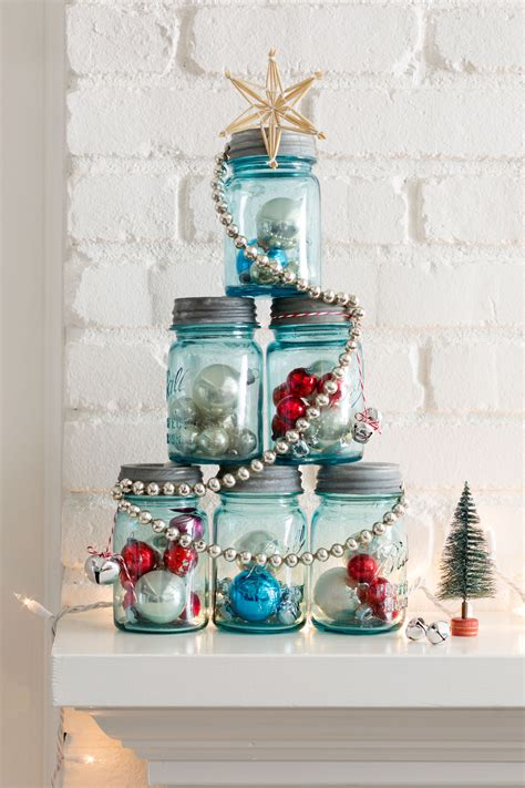 christmas table decorations to make at home 37 diy homemade christmas decorations christmas decor