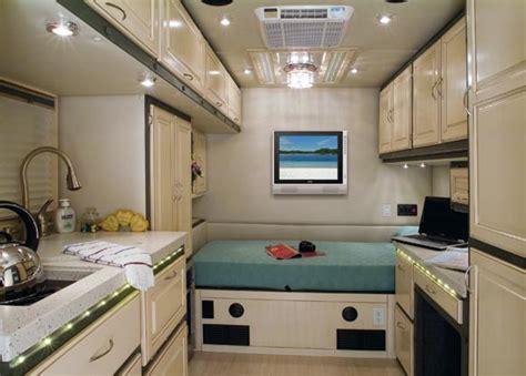 luxury semi trucks cabs image gallery luxury semi truck sleepers