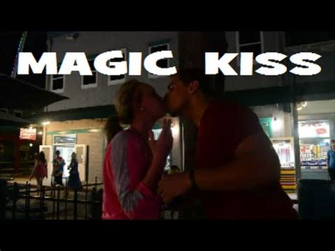 french kiss tutorial magic magic kissing card trick tutorial hostzin com music