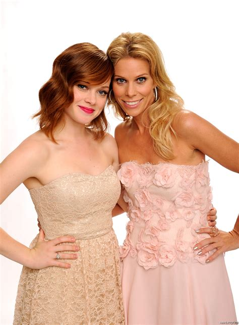 the cast of with a cast suburgatory photo 29295397 fanpop