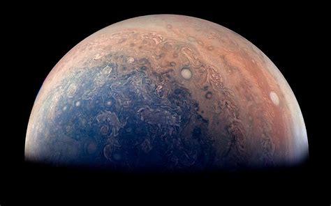 nasa jupiter images jupiter la sonde juno transmet des images de cyclones