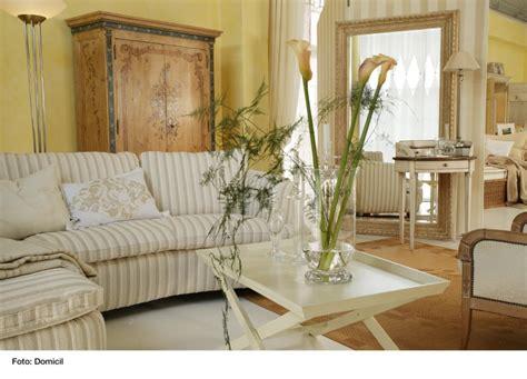 wohnzimmermöbel im landhausstil wohnzimmer landhausstil dekor
