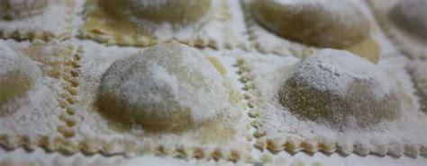 ricetta ravioli di zucca mantovani pasta fresca ravioli mantovani di zucca i pasticci di