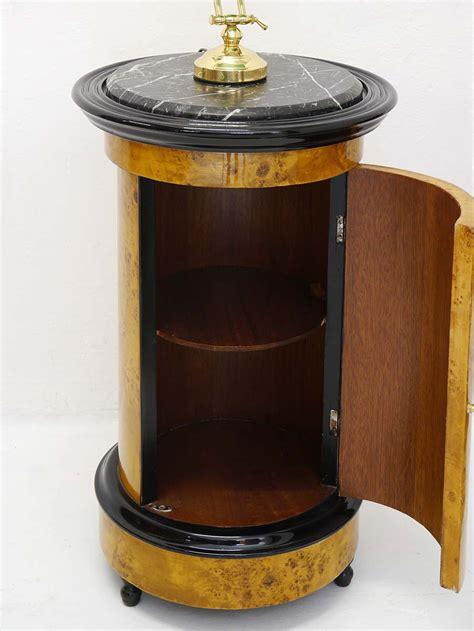 nachtschrank beistelltisch telefontisch rund im antik stil