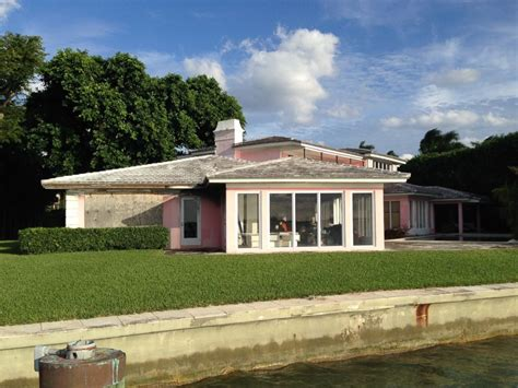 pablo escobar house pablo escobar s former miami beach home demolished by new owner abc news
