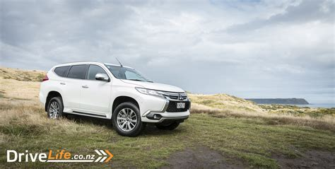 mitsubishi pajero sport 2017 2017 mitsubishi pajero sport xls car review all roads
