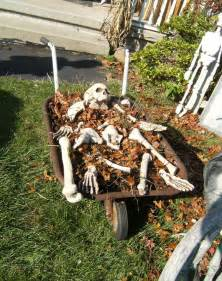 Cheap Halloween Decoration Ideas Outdoor 12 Spooky Outdoor Halloween Decor Ideas This Silly