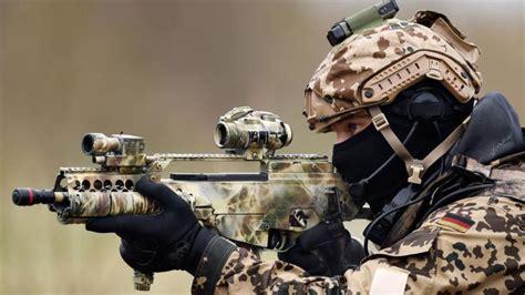 fuerzas especiales francesas y alemanas luchan contra el