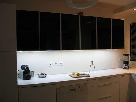 eclairage led plan de travail cuisine lumiere led pour cuisine obasinc