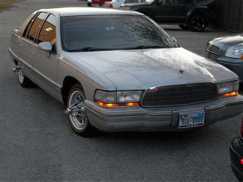 buick park avenue on swangas 2001 buick park avenue buick regal on swangas johnywheels
