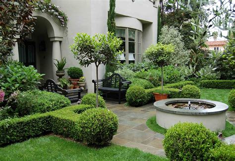 Front Yard Garden Design Ideas Tips Or Creating A Front Yard Retreat Soothing Walls