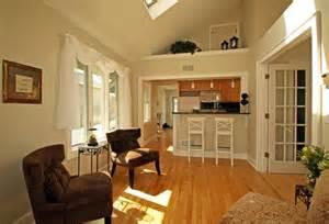Small Kitchen Living Room Ideas by дизайн кухни гостиной фото топ 50 гостиных совмещенных с