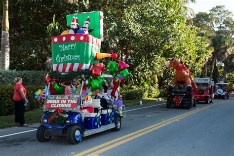 christmas decorated golf carts 204 best golf carts decorated images on golf carts rolling carts and deco