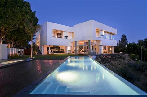 california modern luxury residence nightingale drive