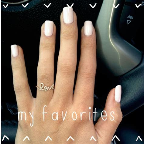 fall nail colors for skin 25 trending nail colors for pale skin ideas on