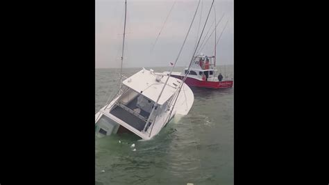 fishing boat sinks sport fishing boat quot waste knot quot sinks off oregon inlet