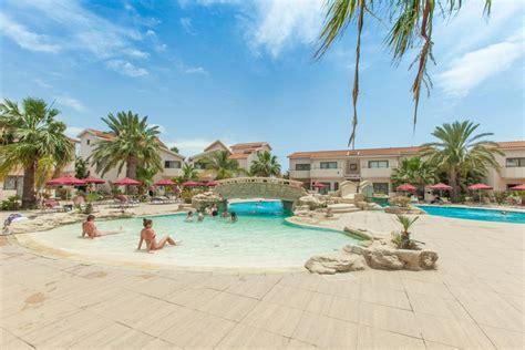 Bungalow Dining Room crown resorts henipa hotel in larnaca cyprus hotels