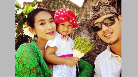 kebaya cantika ubud enam tahun menikah dengan keturunan raja ubud bali apa