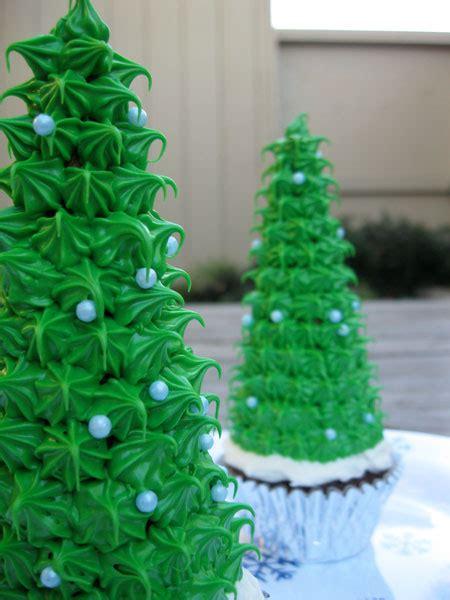 christmas tree and reindeer cupcakes shane s killer cupcakes