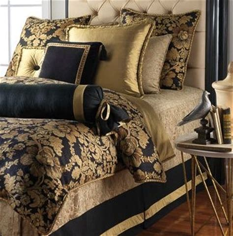 Black Gold Bedding by Best 25 Black Gold Bedroom Ideas On Black And