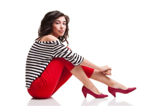 7 ways to wear red shorts this season the idle man 10 ways to wear red this season boldsky com