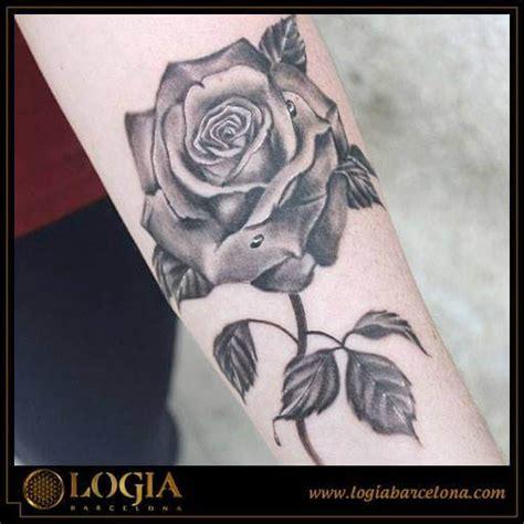 imagenes a blanco y negro significado el significado de los colores en los tatuajes de rosas