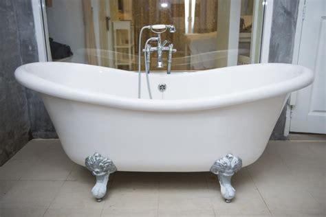 Le Baignoire fuite d eau sous la baignoire mesd 233 panneurs fr