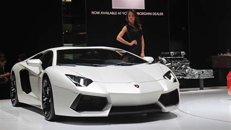 White Lamborghini Aventador Hd Wallpaper White Lamborghini Aventador With Hd Wallpaper Car