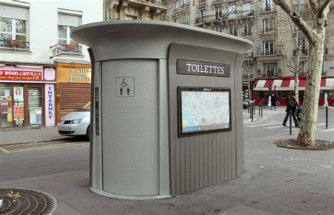 Toilettes Publiques entre les fran 231 ais et leurs toilettes publiques la