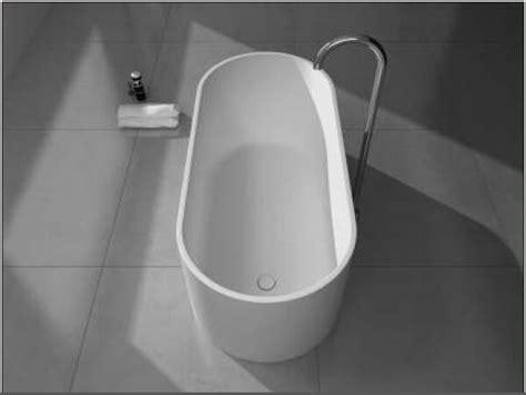 hair clogging bathtub how do i clean my bathtub hair clogging bathtub round