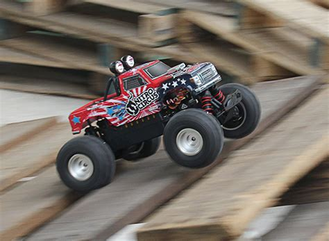 nitro circus rc monster truck basher nitro circus 1 16 mini monster truck arr