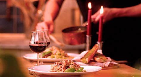 cena a lume di candela a casa san valentino consigli per una cena di san valentino a casa