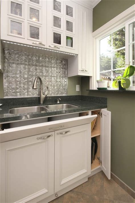 kitchen sink with backsplash tile backsplash sink