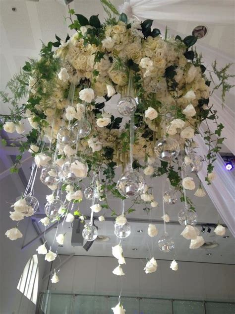 chandelier with flowers 36 gorgeous wedding florals ideas to