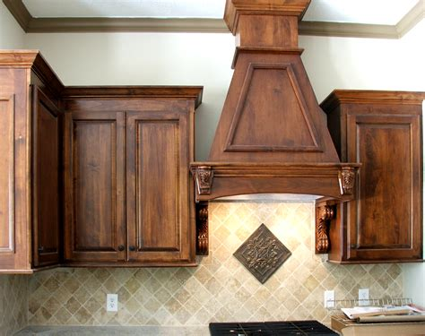 Wood Stains For Kitchen Cabinets Knotty Hickory Cabinets Perhaps I Could Use A Gel Stain To Darken Them To Look Like This