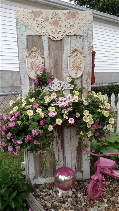 cottage yard decor shabby chic garden idea gardening