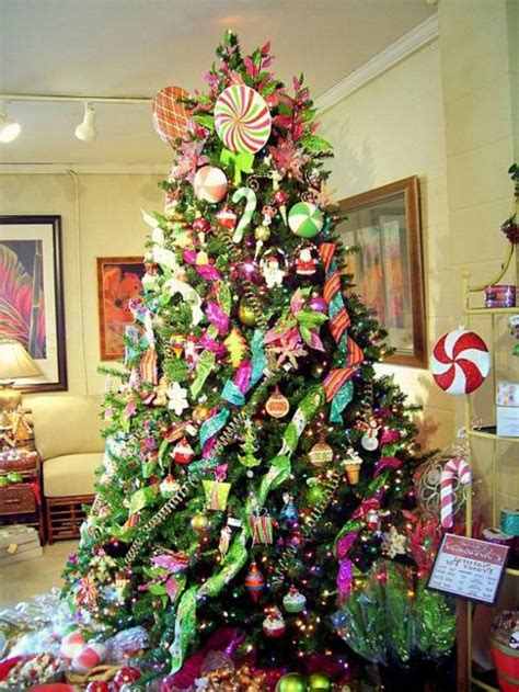 christmas tree decoration blending purple and pink colors