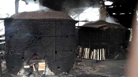 Jual Batok Kelapa Sawit pembakaran arang cangkang sawit metode tradisional bisa