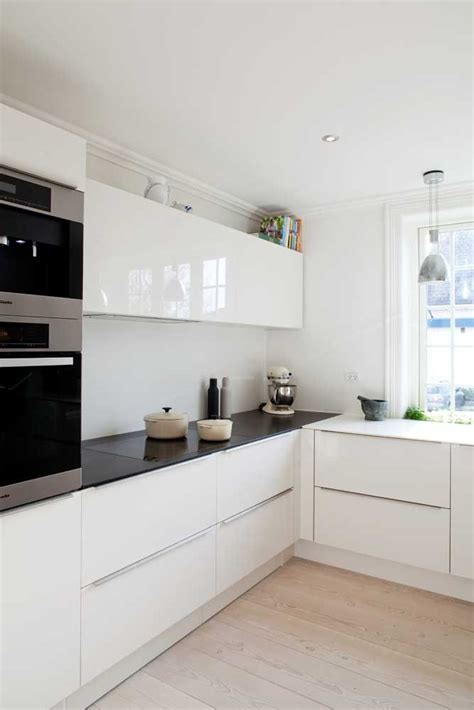 contemporary white kitchen cabinets 61 best white gloss kitchens images on pinterest kitchen