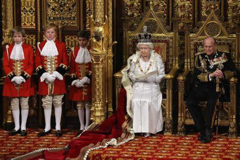 queen elizabeth 2 queen elizabeth ii biography biography com