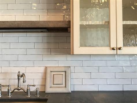 ivory subway tile backsplash ivory cabinets with white backsplash
