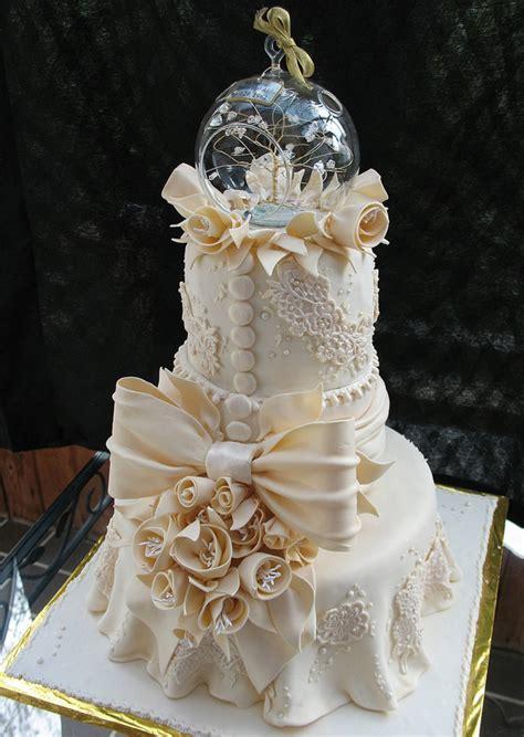 Traumhafte Hochzeitstorten by Wedding Cakes Lace Vintage 7 The Fashionbrides