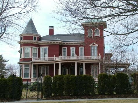 houses in maine haunted maine homes think it adds to the value and