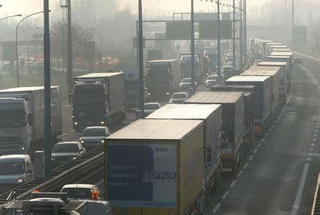 notizie su veneto traffico lunghe code su autostrada a4 veneto ansa it