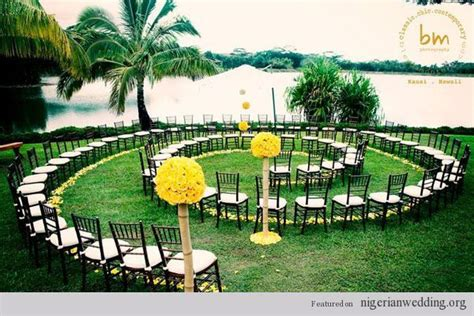 summer wedding ideas spiral ceremomy aisle blenda montoro photography oh happy day wedding
